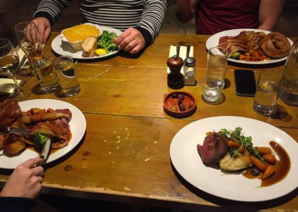 meal-at-the-plough-and-flail-mobberley
