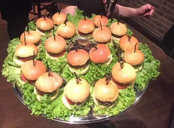 mini-slider-burgers-big-cheese-no-cheese