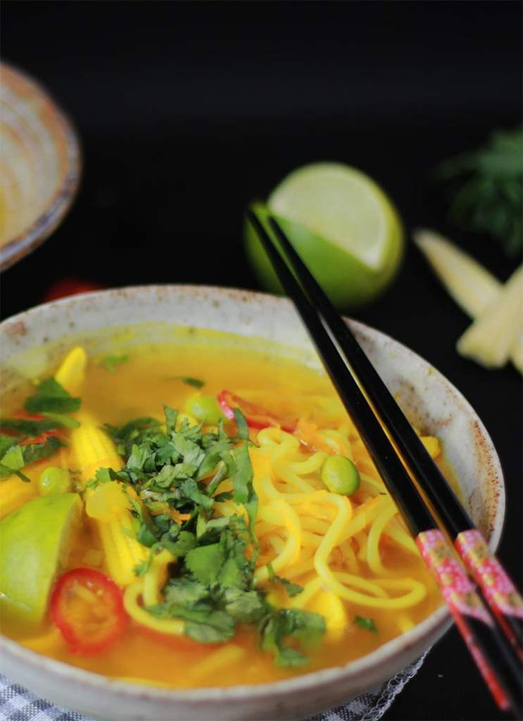 Turmeric and noodle detox broth