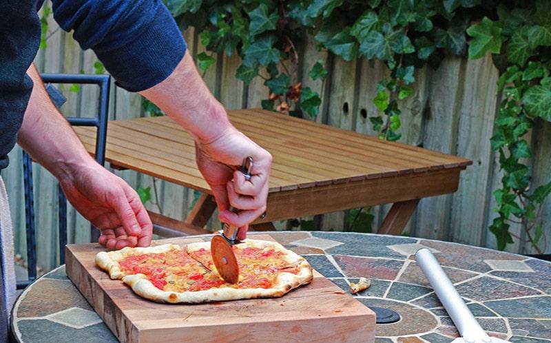 marinara being sliced