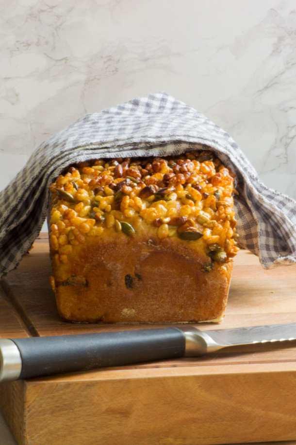 seeded breakfast loaf