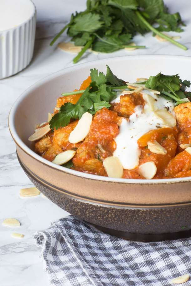 chicken and almond curry
