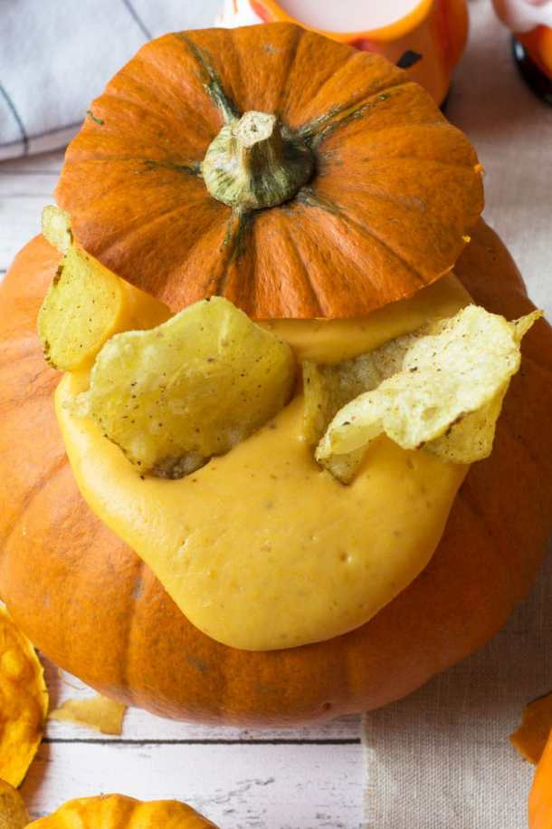 amica crisps with pumpkin and cheese dip