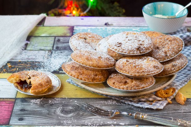 cranberry mince pies with amaretti frangipane