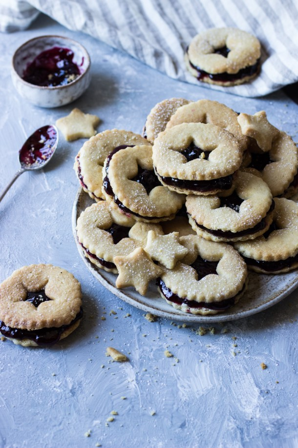 shortbread biscuits with blackcurrant jam