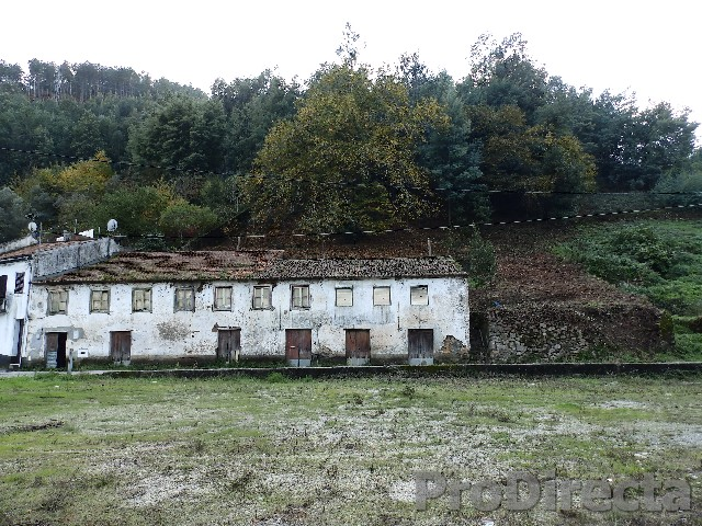 building for renovation located in the area of Góis