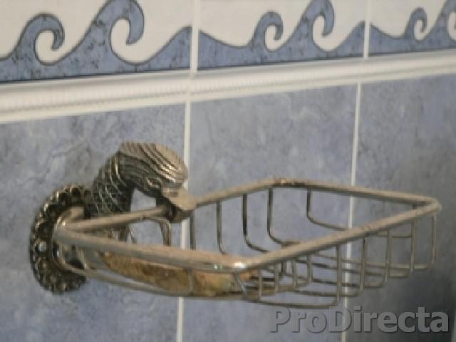 Second bathroom - Antique portuguese fixtures