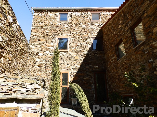 Stone villa in Arganil