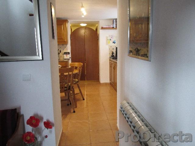 8. Hall thro to kitchen