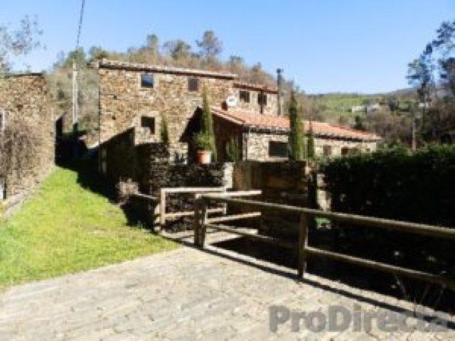 Caratão Village