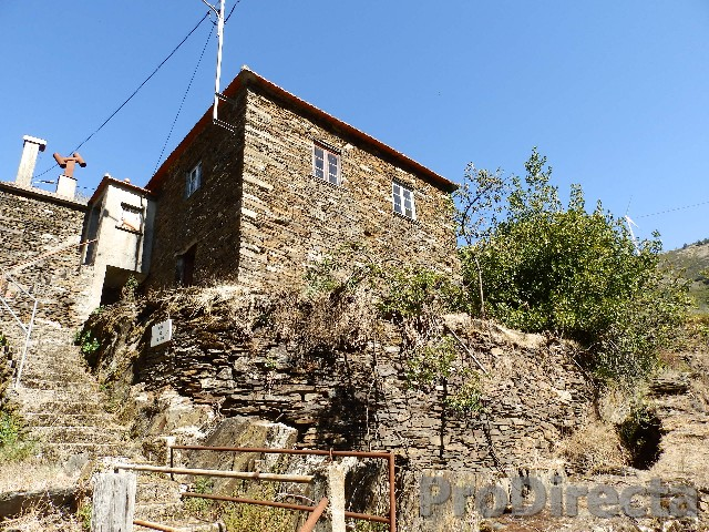 Stone house in Arganil for sale