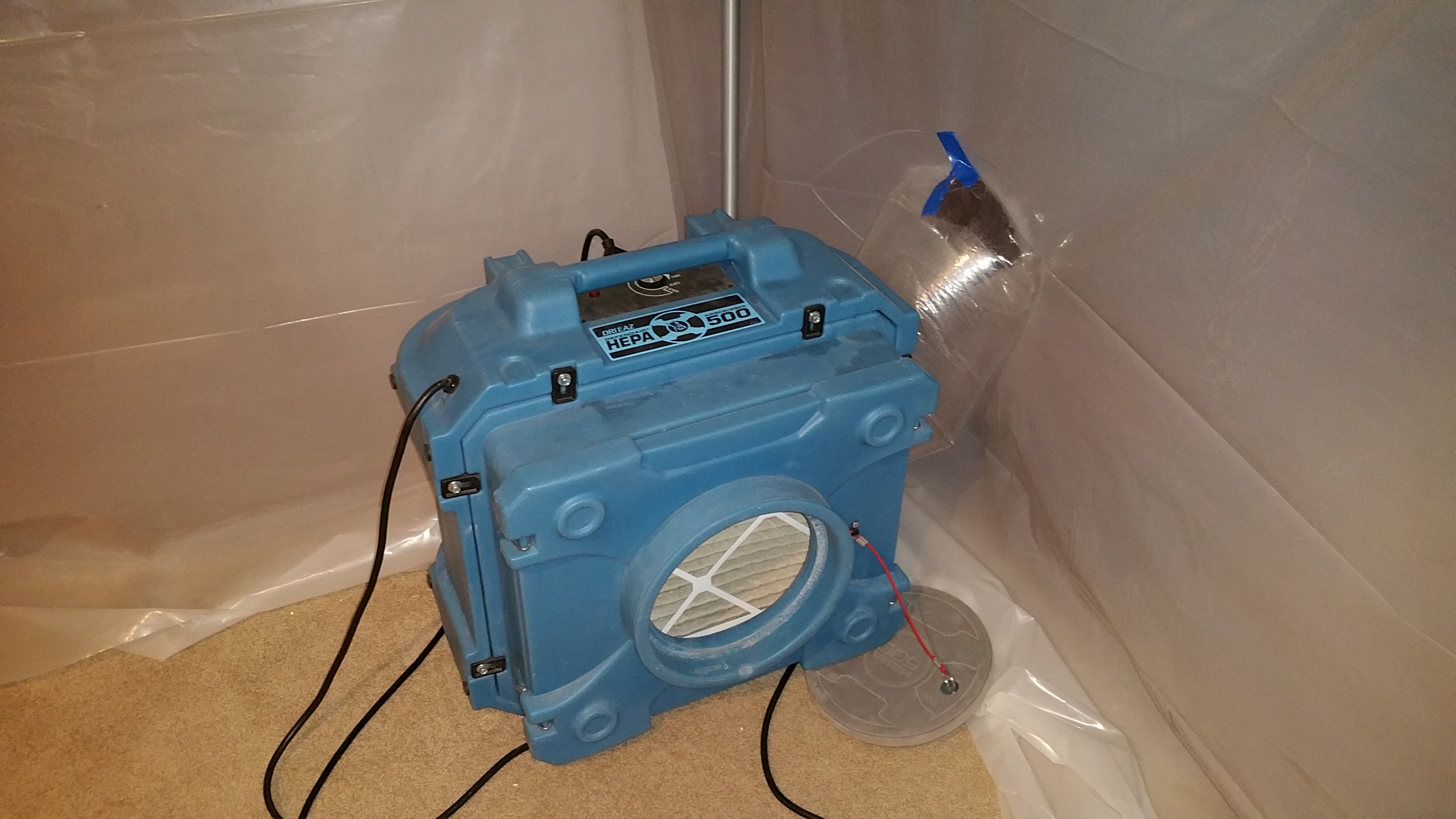 Negative air required to contain mold contamination