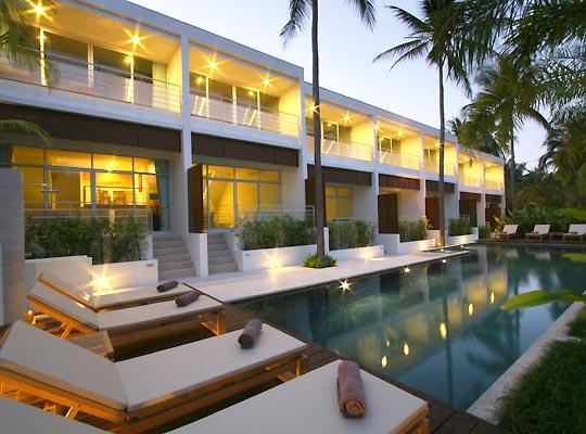 Koh-Samui-condo-lower-Pool