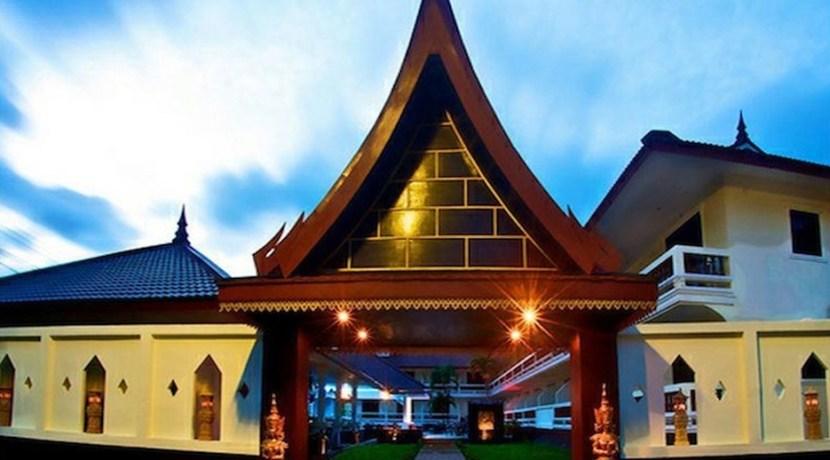 tropical-palm-resort-spa-01