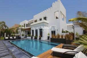 6 bedroom villa for sale in Palm Jumeirah, Dubai
