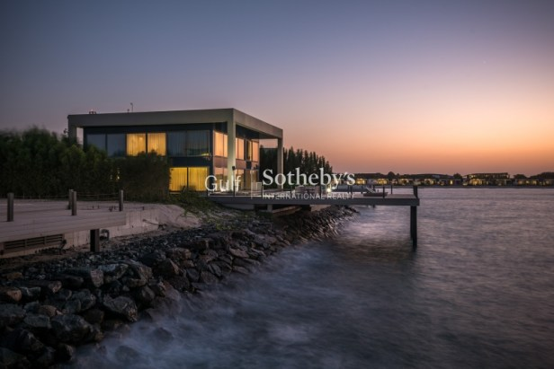 4 bedroom villa for sale in Sbu Dhabi