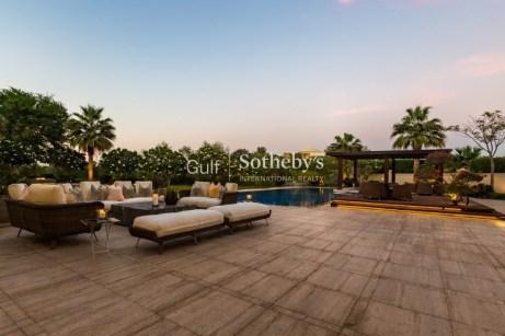 mansion for sale in emirates Hills, Dubai