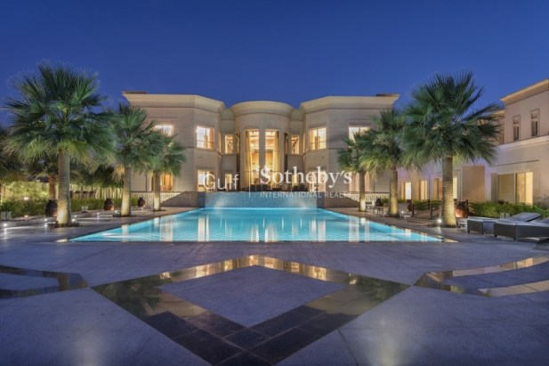 5 bedroom villa in Emirates Hills, 1.1