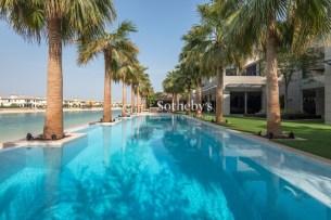 6 bedroom villa in Palm Jumeirah, 1.3