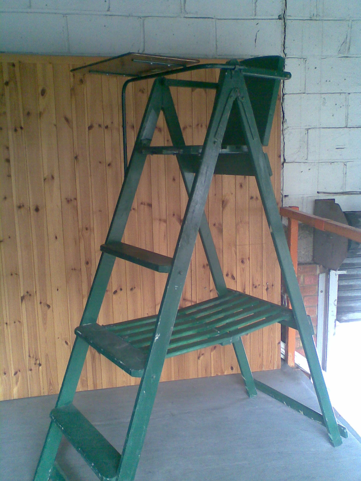 tennis umpire chair hire chairs at lowes umpires green wooden jpg