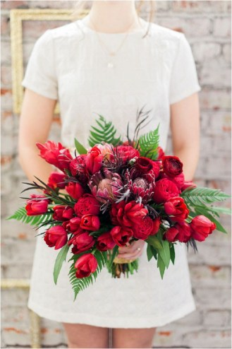 single-color-red-bouquet-brittany-lauren-photography