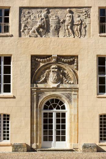 Chateau-la-Jaubertie-Facade-0000