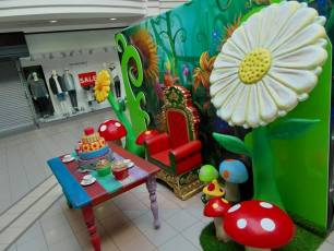 Alice In Wonderland Display 6