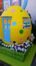Easter House Display 3