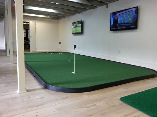 Portable College Golf Greens