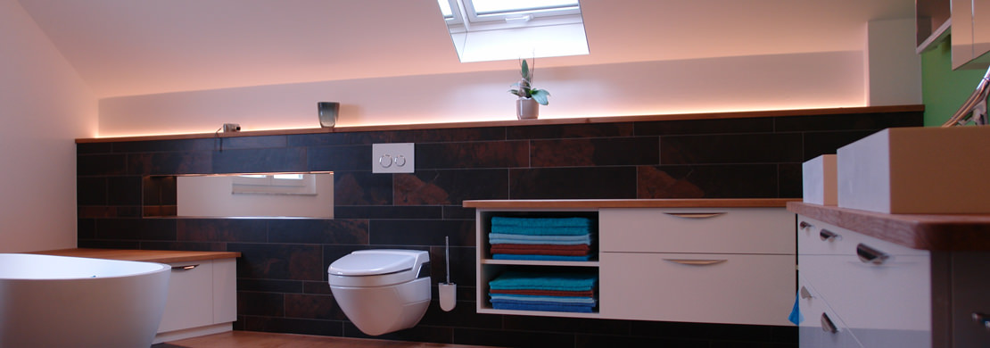 Badezimmer mit Handtuch