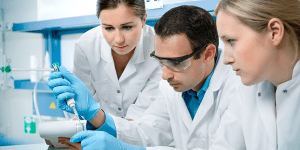 Read more about the article Pros and cons of studying medicine