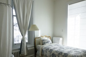 Read more about the article Pros and Cons of one-bedroom condo