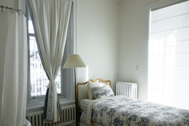 You are currently viewing Pros and Cons of one-bedroom condo