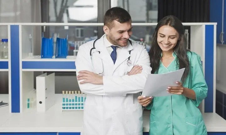 You are currently viewing Pros and cons for a physician assistant