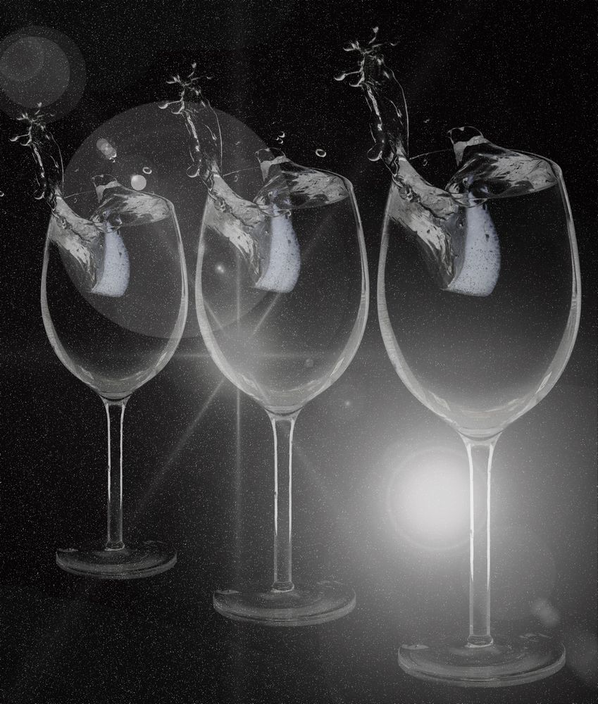 3 glasses with water splash and lemon_product photography