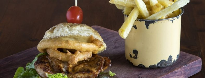 Food photographer De Kloof Restaurant_Chicken burger and chips