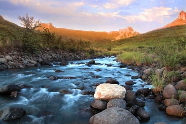 KZN Amphitheatre Drakensberg | ProSelect-images