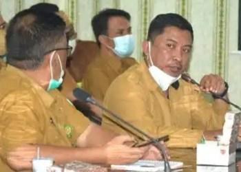 Kadis Kominfo Kabupaten Gorontalo, Haris Tome (masker putih). (F : Istimewa).