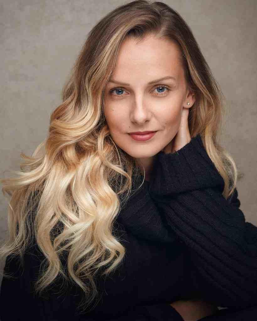 Lauren Stroud headshot