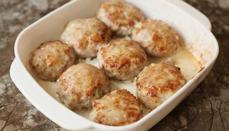 Рецепт улюблених літніх тюфтельок з кабачків і фаршу