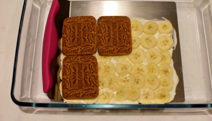 Торт з печива і бананів
