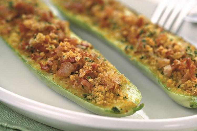 10 простих і смачних рецептів кабачків в духовці
