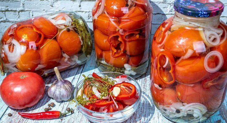 З такими маринованими помідорами ваш раціон взимку буде насичений вітамінами!