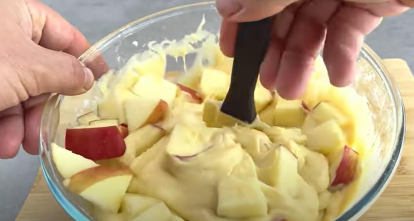 Все перемішав і готово: яблучний пиріг, що тане в роті. Готую в домашніх умовах