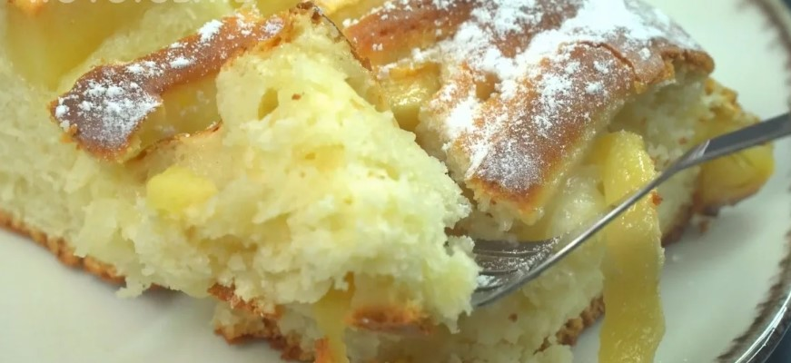 Простіше за шарлотку: пиріг з яблуками. Заміс тіста за 6 хвилин + час на випічку