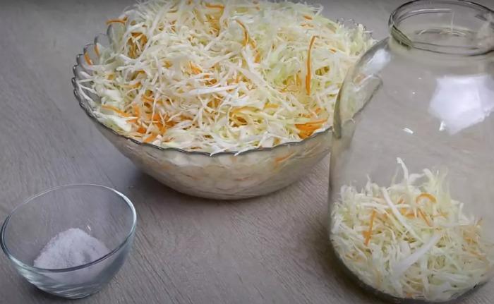 Класична квашена капустка за бабусиним рецептом