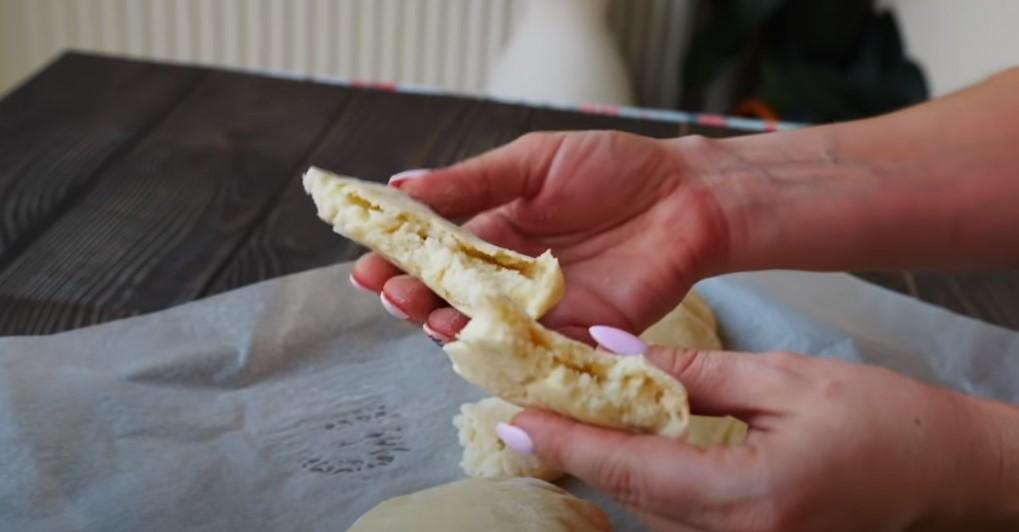Простий домашній хліб. Коржі-булочки, повітряні та ніжні: мінімум продуктів