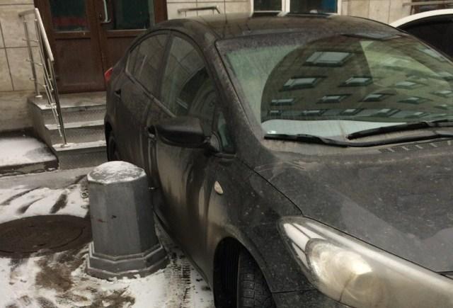 Изящно отомстили: сюрприз за наглую парковку