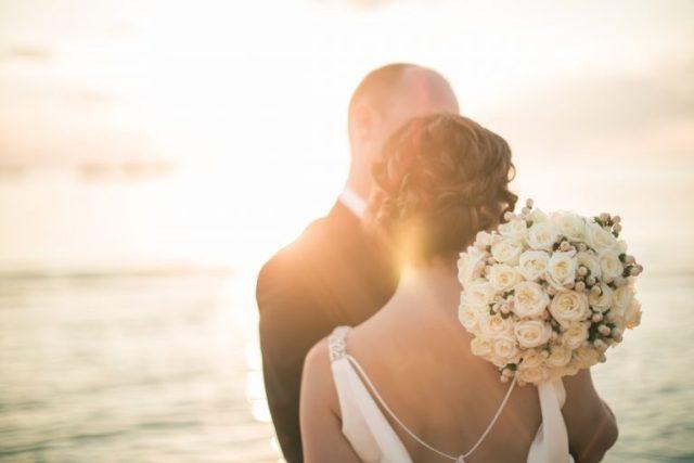 Вспомните, в каком месяце была ваша свадьба, и узнайте, что ждет вашу пару