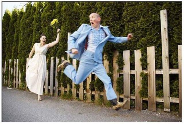 9 прикольных фото со свадебных альбомов